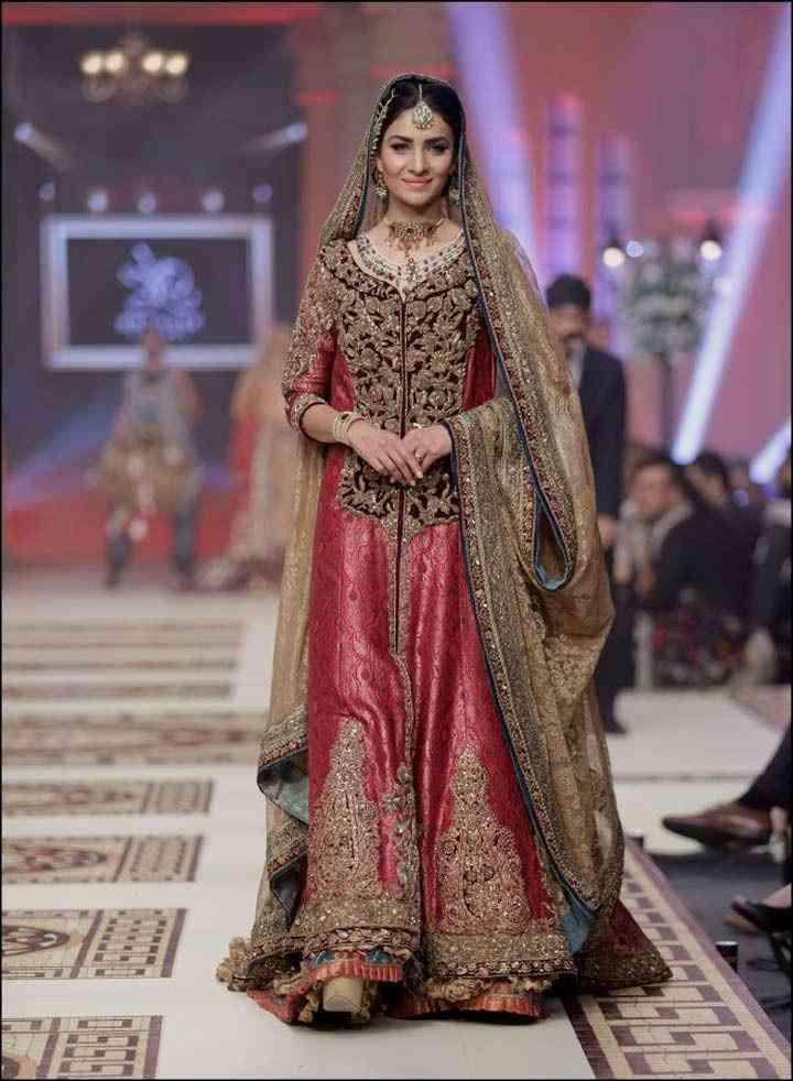 10 Gorgeous Muslim Wedding Dresses To Look Like An Angel As A Bride