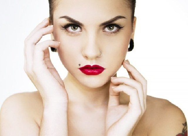 List Of 15 Types Of Lip Piercing To Enhance Your Facial Beauty